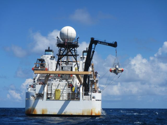 NOAA Ship, Hiialakai returns home after a 24 day voyage to the Northwestern Hawaiian Islands.
